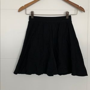 Magazine Short Black Circle Skirt